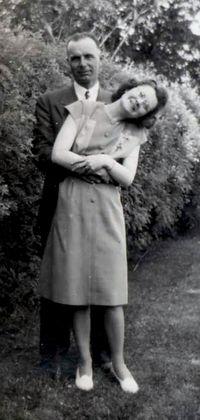 1947 head tilt2